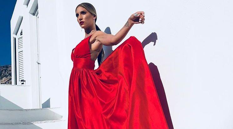 1d556d3ffb79 Αθηνά Οικονομάκου  Εντυπωσιακή στο γάμο! - YourTipster.gr