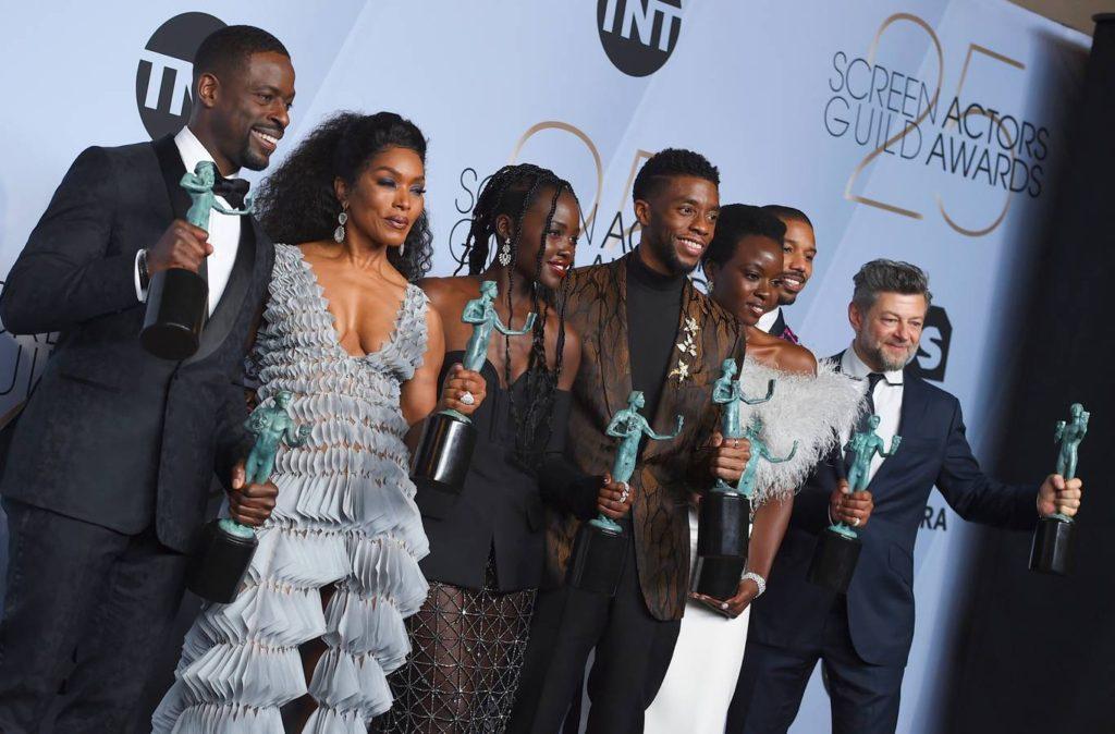 c7992dd50b Τα Βραβεία Σωματείου Ηθοποιών είναι μία ετήσια απονομή από το Σωματείο  Ηθοποιών (Screen Actors Guild – SAG) στις καλύτερες ερμηνείες της χρονιάς.