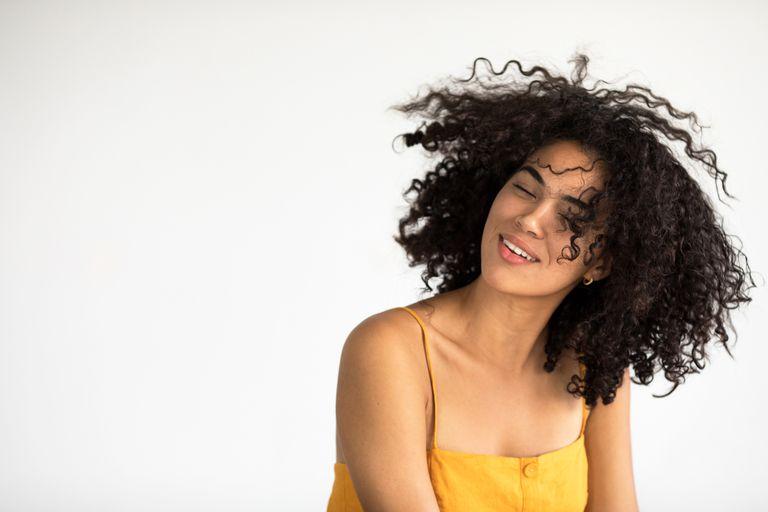 Γυναίκες με μεγάλα τριχωτά μαλλιά